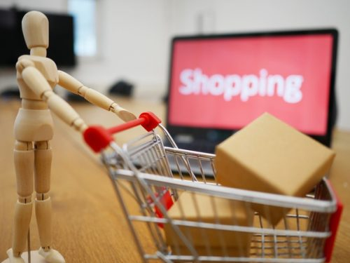 Easy-Tips-To-Buy-Online-Clothes-At-The-Most-Reasonable-Prices.jpg